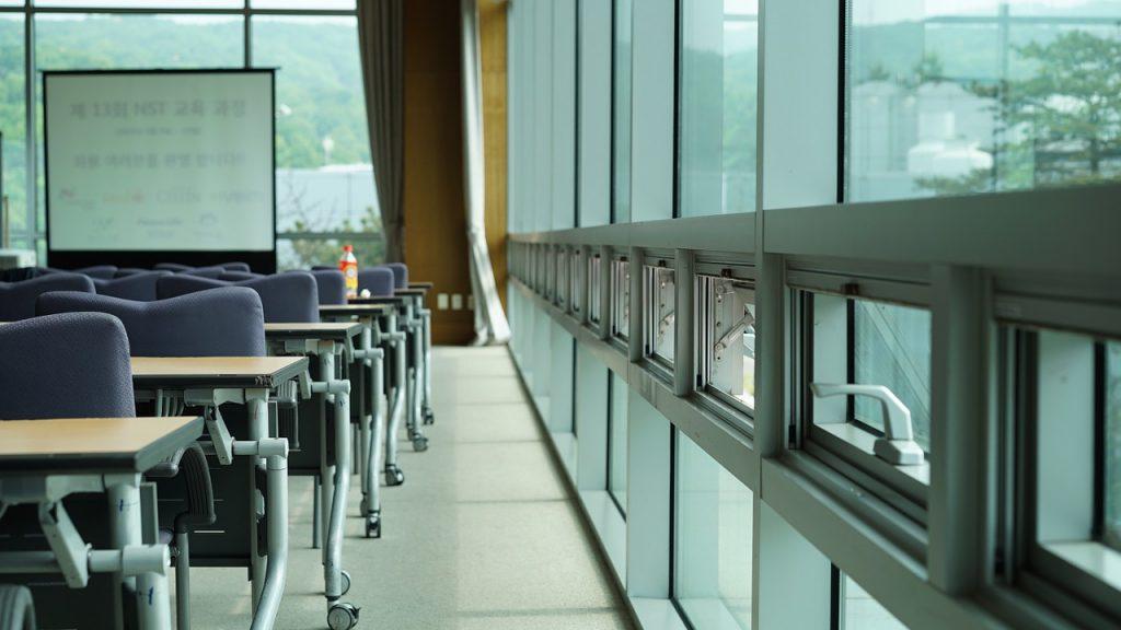 専門学校の教室